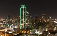 Dallas_Texas_Skyline_bei_Nacht